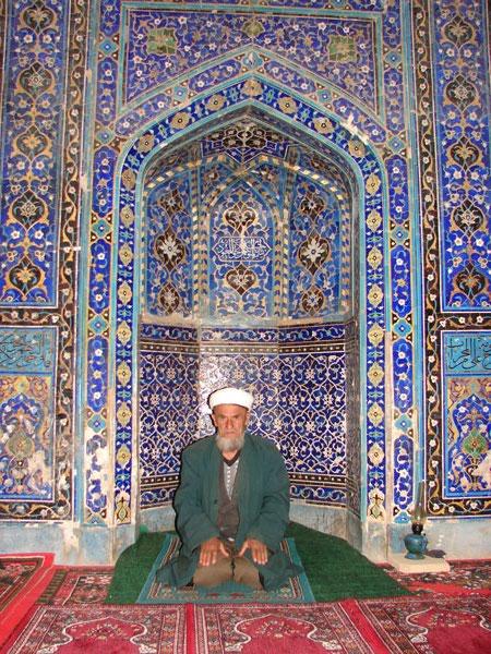 Мулла в мечети [Долгий В.]