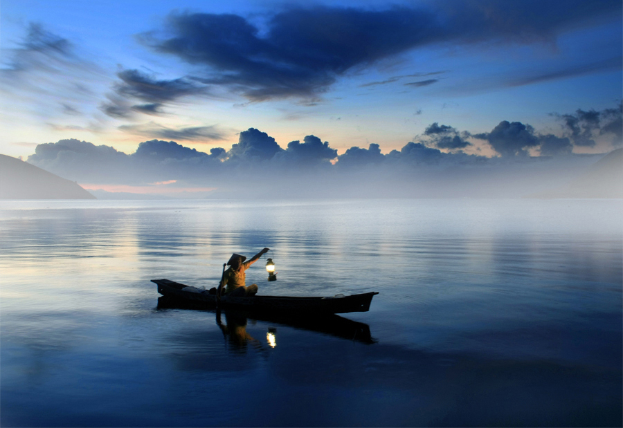 стихотворение одинокая лодка